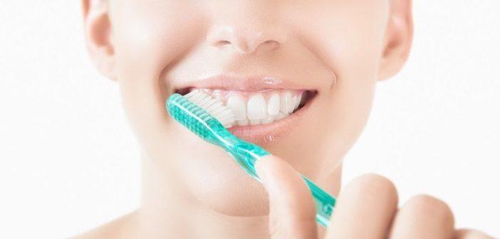 Pourquoi choisir un dentifrice bio et naturel ?
