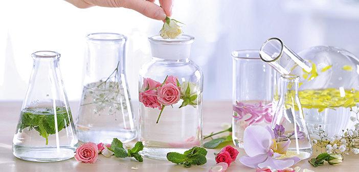 Eau florale : laquelle choisir pour sa peau ?